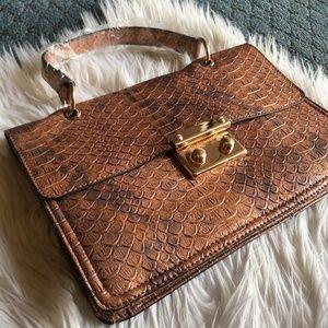 Fancy brown clutch! ❤️